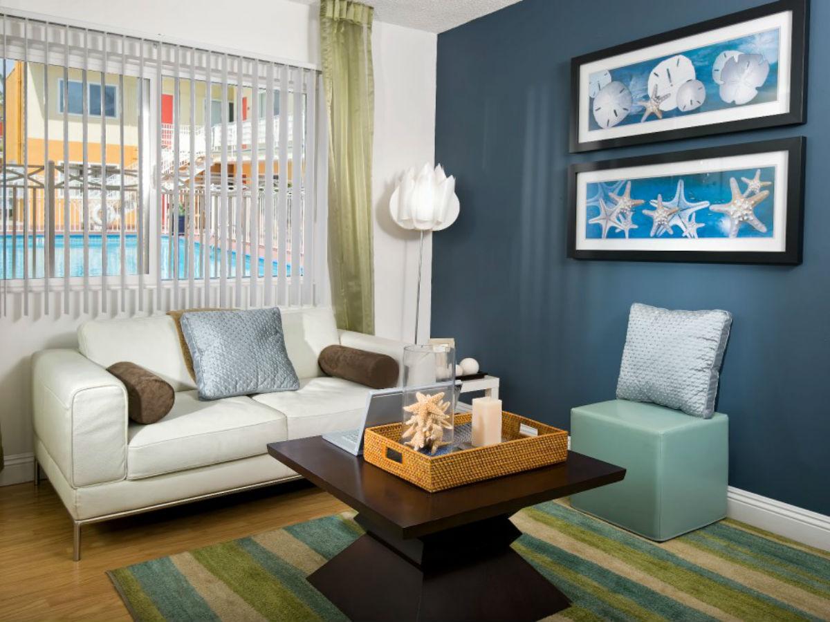Pico Lanai Living Room